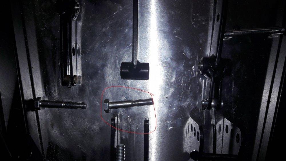 pedals1.thumb.jpg.e8b08e5ae99b6d171017ce47ff4e9f26.jpg