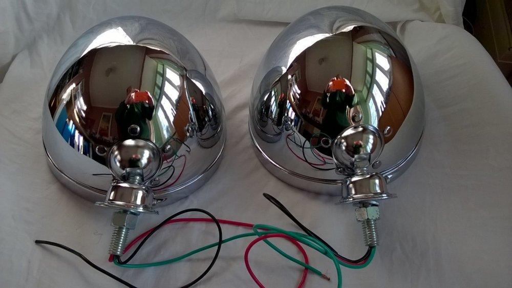 Headlight shells outside 2.jpg