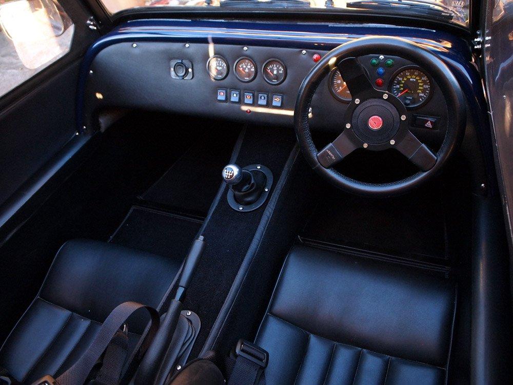 interior_s.jpg