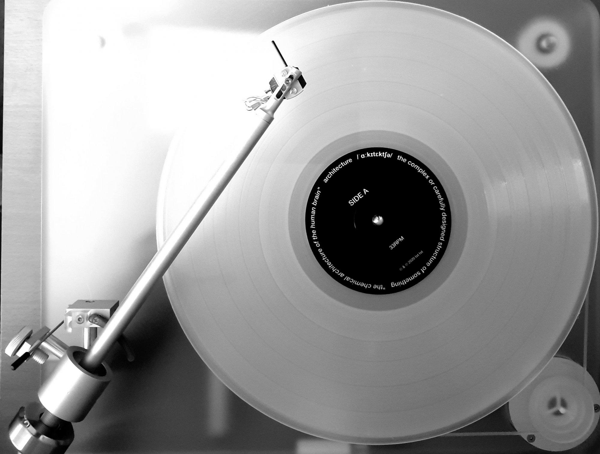 Ist_Ist_Vinyl.thumb.jpg.3fb2223842261ff771c36b40523cd72e.jpg