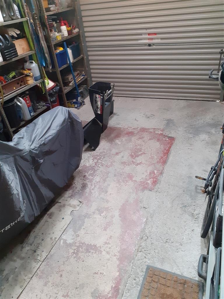 Floor (Medium).jpg